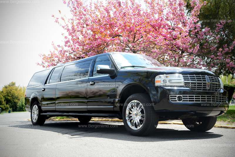 Executive Black Lincoln Navigator Limousine For Hire Nj Amp Ny