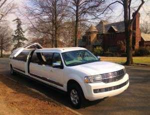 Navigator-limo-jet-door-white